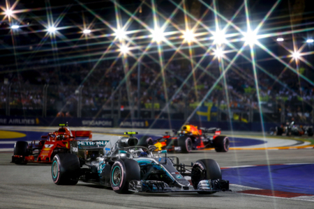 Action-Night-Bottas-2.jpg