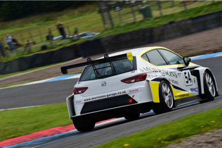 TCR-UK-Knockhill-4.jpg